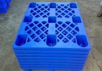 木托盘厂家:塑料托盘和木托盘的差异