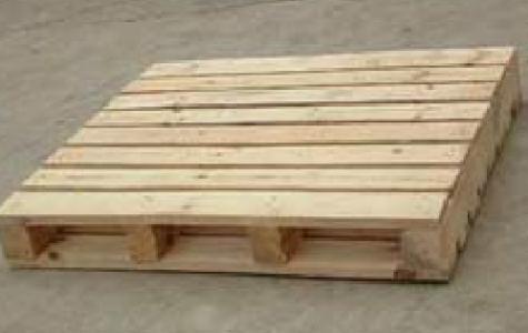 胶合板木托盘与原木托盘的功能比较