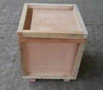 制作木质包装箱时,木材应进行相应处理